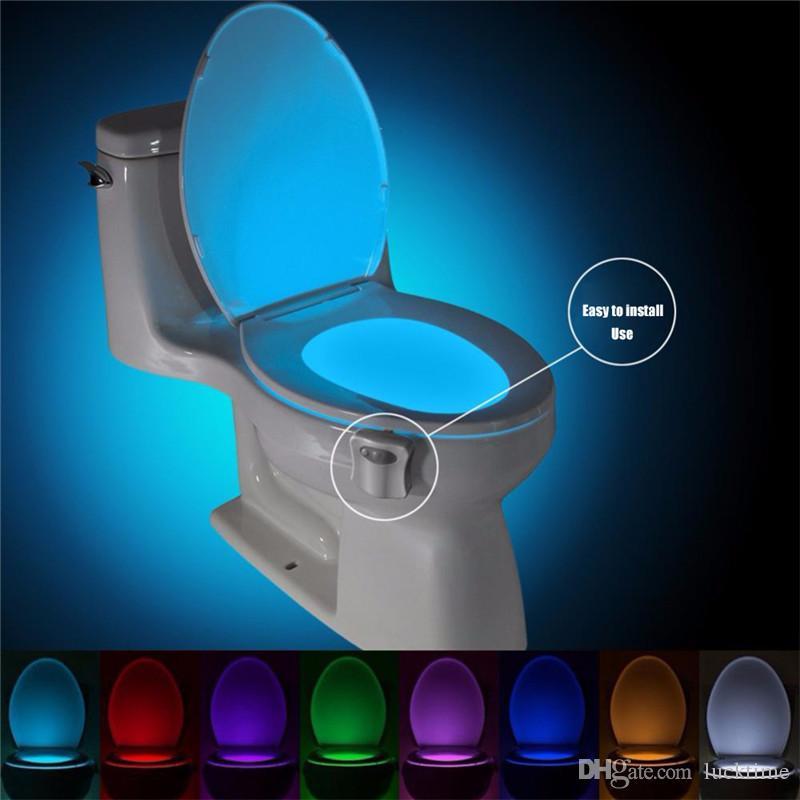 Luz de fondo impermeable para inodoro inteligente del sensor de movimiento PIR asiento del inodoro luz de la noche de 8 colores Luminaria LED de iluminación de la lámpara WC