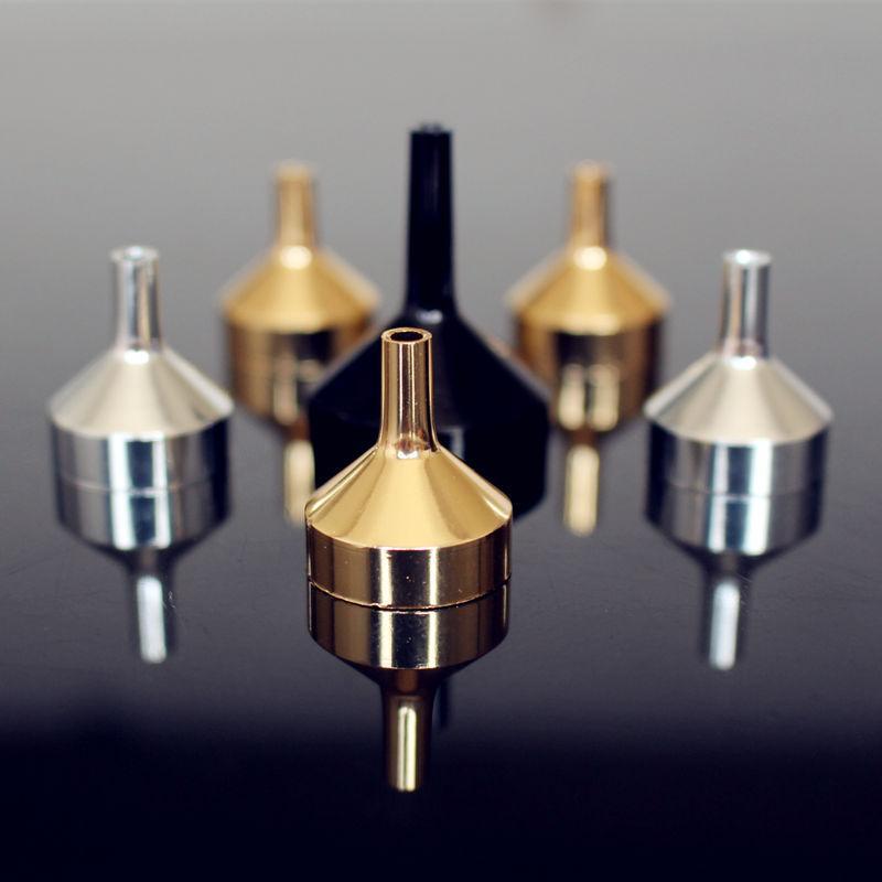 30шт / пакет металл Малой алюминиевая мини Воронка для передачи Духи Диффузора бутылки Mini Жидкого масла заполнения Lab Silver Gold Black