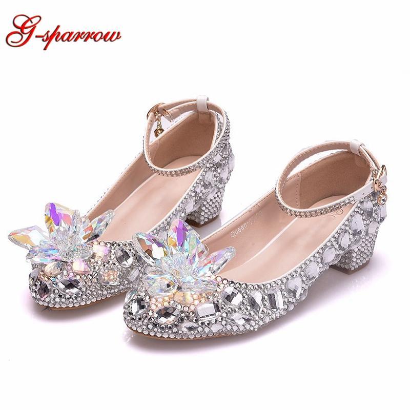 2020 sapatos de prata do casamento de Cristal 1 polegadas Dancing Shoes salto baixo Toe Rodada Grosso Heel Cinderella nupcial Prom Party Bombas
