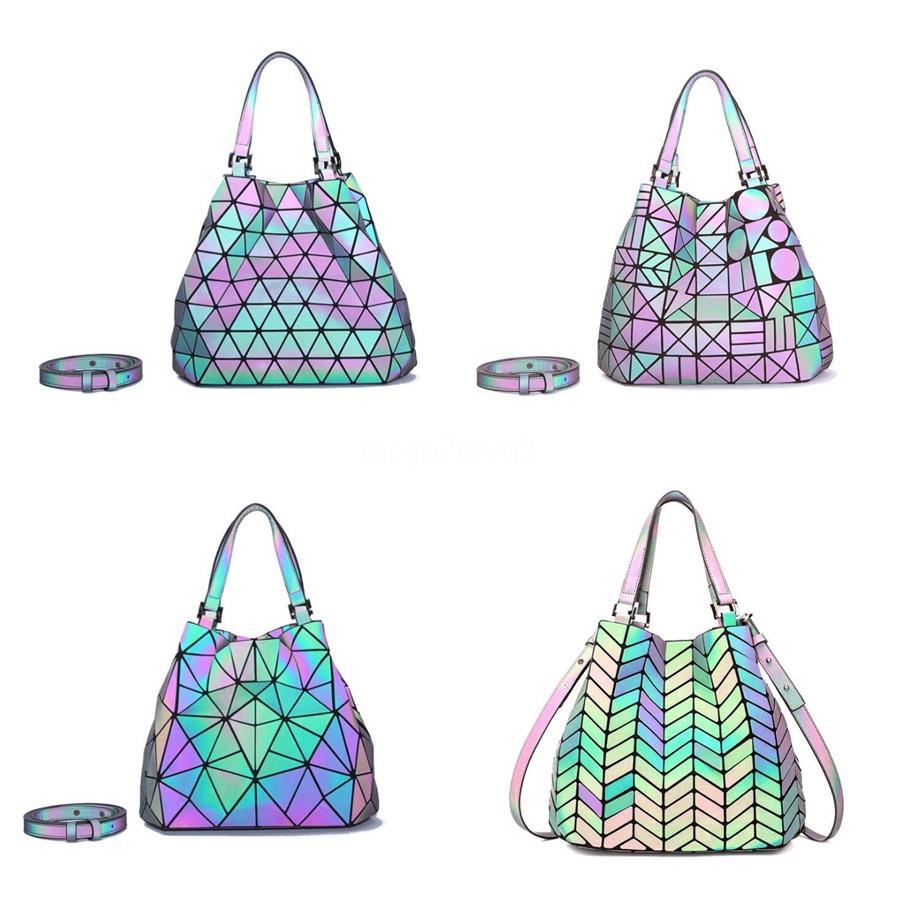 Designer hangbags Mulheres alta qualidade Pu Luminous Hairball bolsa da senhora retro ombro Messenger Bag Luxo sacos para as mulheres Tote # 807