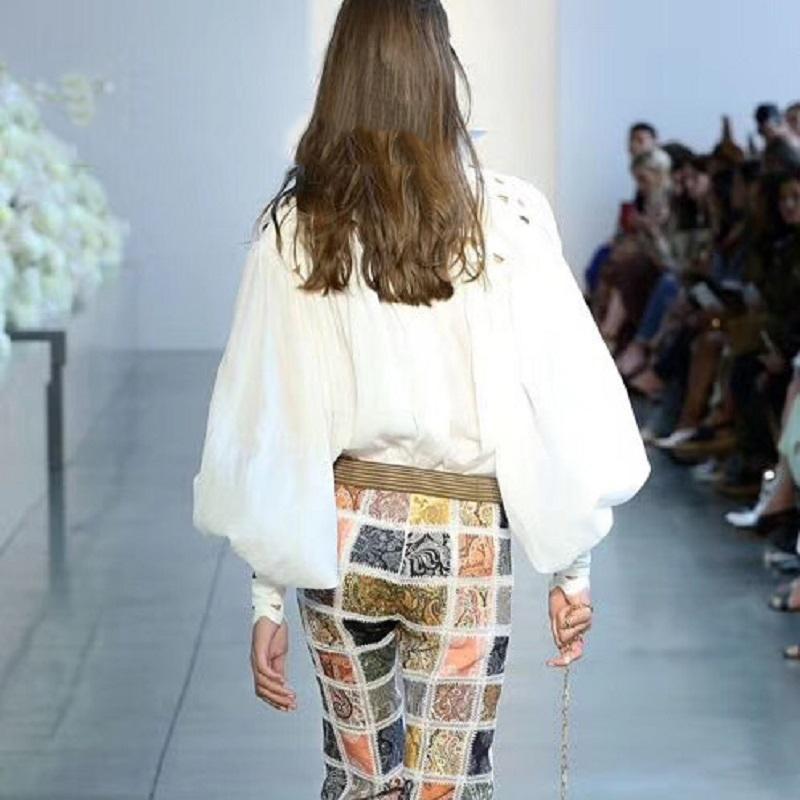Fashion-2019 Frühling Elegante Frauen Weiß Rollkragen Spitze Minikleid Runway Designer Aushöhlen Laternenhülse Weibliche Party Kleid Kleidung
