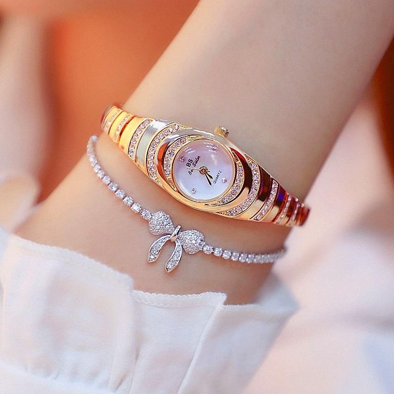 Top-Marke und elegante Damen Kleine Dial Frauen Charm Armband Luminous Girl Mode beiläufige Uhr Zegarek Damski C19010301