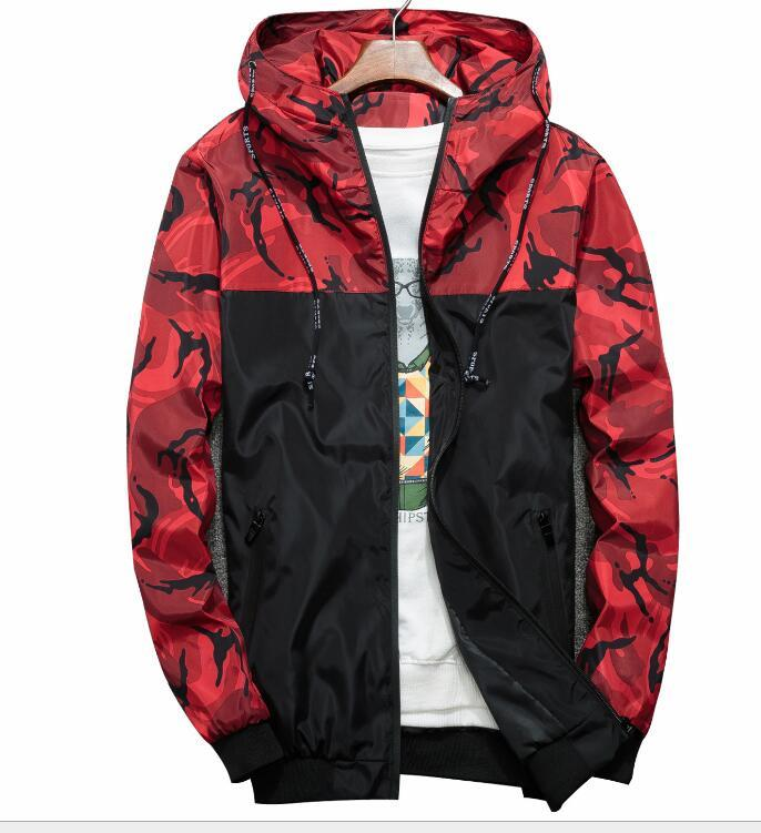 La nuova molla cuciture Uomo casuale sottile Primavera camuffamento giacca con cappuccio bel cappotto del rivestimento Top