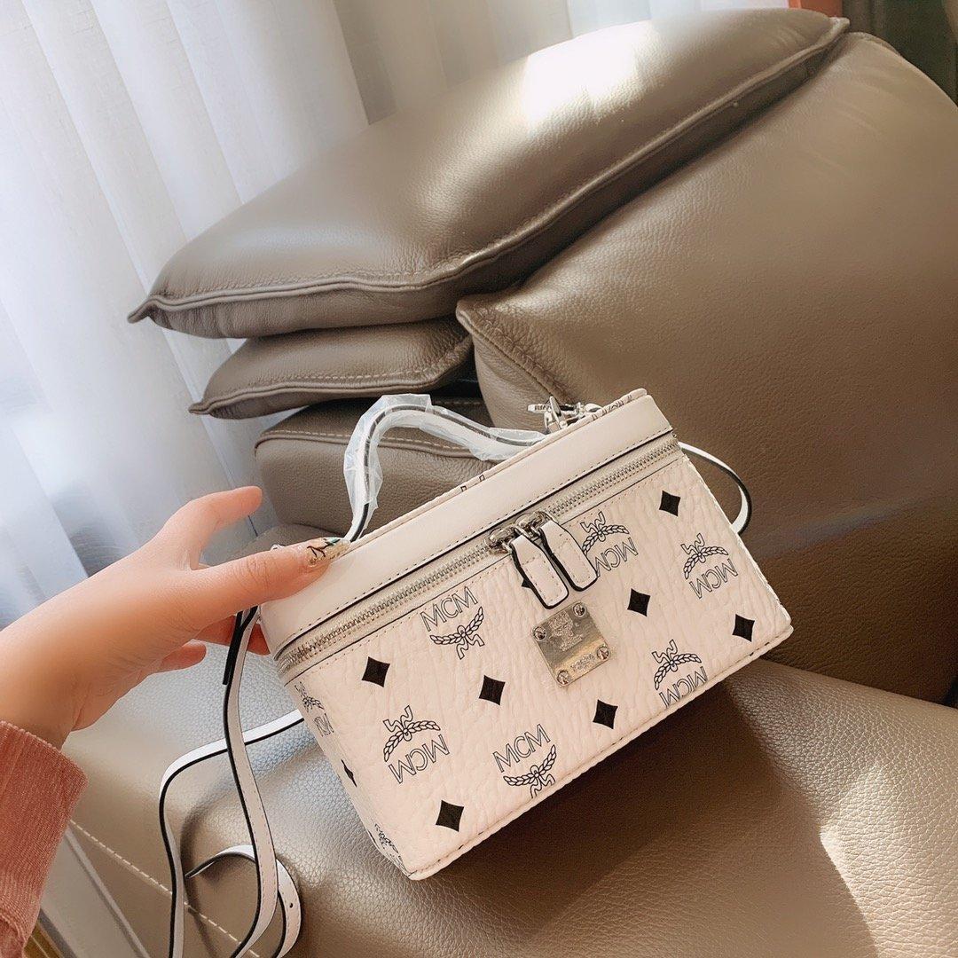 Designer boîte cosmétique Véritable sac à main de luxe en cuir Box super pratique et farceur marque de la chaîne sac à main lettre imprimée avec la boîte TB 20031003T