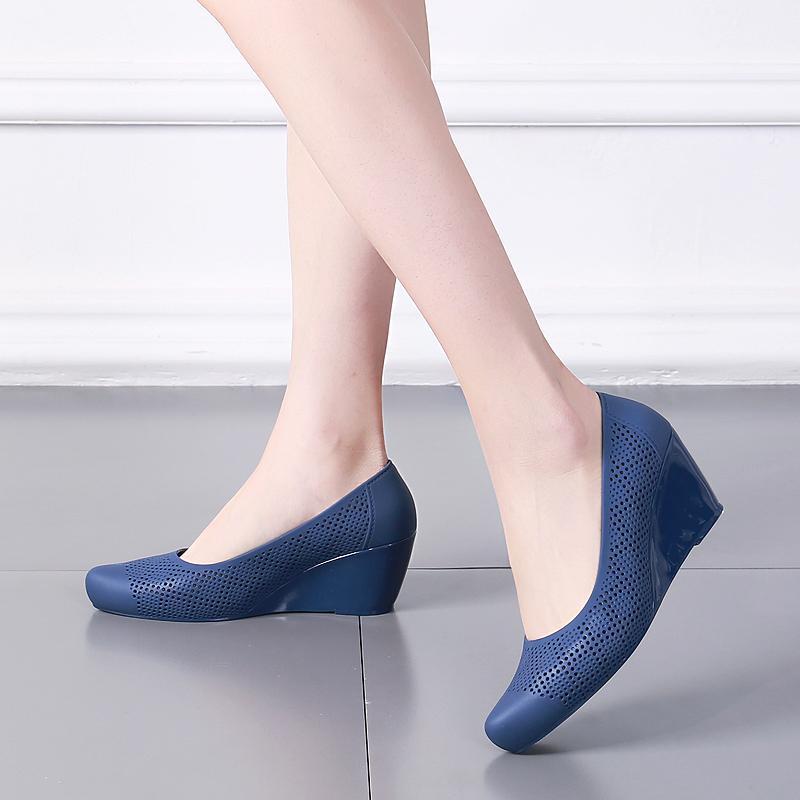 2020 Pente talon gelée chaussures femmes creux trou chaussures Baotou sandales à talons hauts pluie en plastique souple