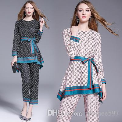 Calças de duas peças da moda novas tendências da senhora, beleza impressão caixilhos decoram dois conjuntos de peça, top de t-shirt agradável e calças compridas