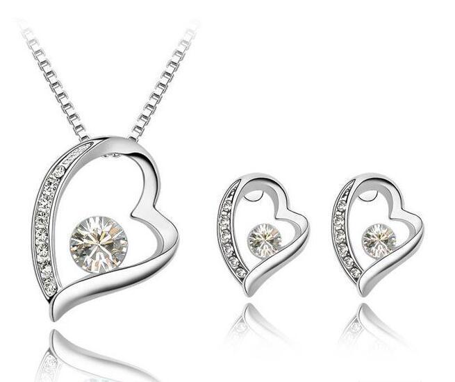 جودة عالية 18 كيلو الذهب الأبيض الفضة مطلي كريستال الحب القلب قلادة أقراط مجموعات مجوهرات للنساء الزفاف مجموعة مجوهرات الزفاف