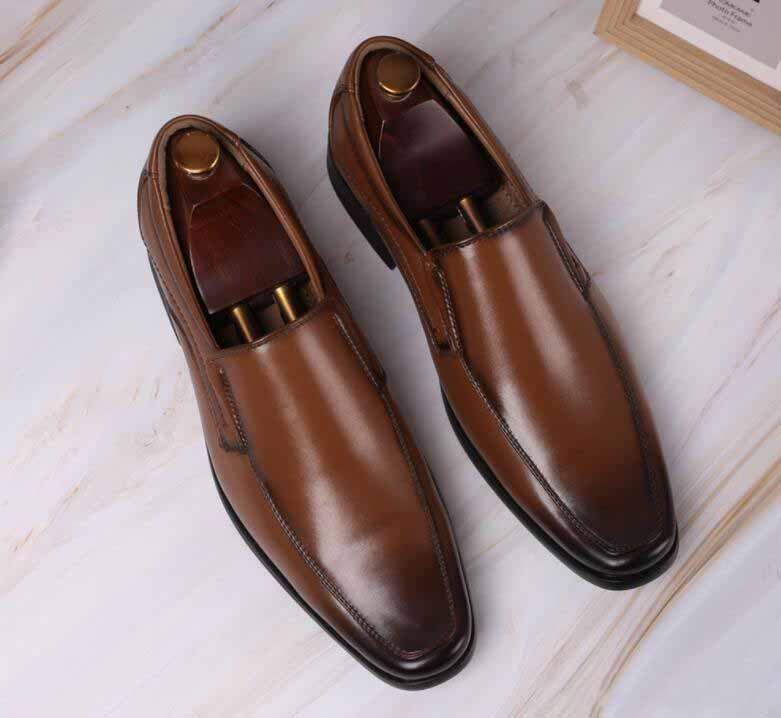 Los nuevos hombres de negocios zapato formal Negro Brown zapatos de cuero pequeña plaza Zapatos Oxford zapatos de vestir de los hombres