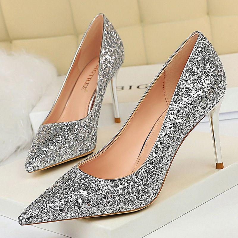 2020 Новый Высокие каблуки Блестки Женщины насосы Свадебная обувь Остроконечные Toe Женщины на каблуках Женщины партии Обувь Silver стилет Free Shipping