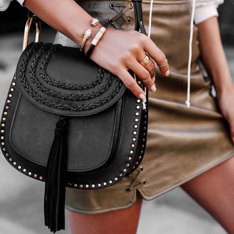 أزياء العلامة التجارية الكلاسيكية أسلوب حار إمرأة حقيبة يد مصمم الشرابة جلد الغزال حقيقية Cowskin سيدة جلد هيئة الصليب برشام شرابة حقيبة سرج أكياس اللباس