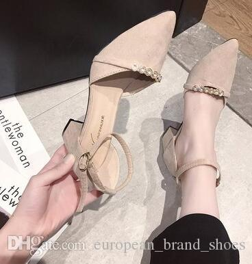 New Fashion Women's Hollow sandals with pointed buttons and thick heels