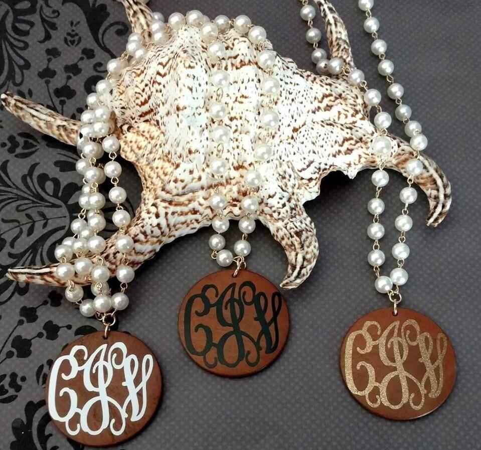 Madeira Disco de Moda de Nova longo Pearl monograma Colar pingente de colar acessórios Colar apelativo Jóias Mulheres