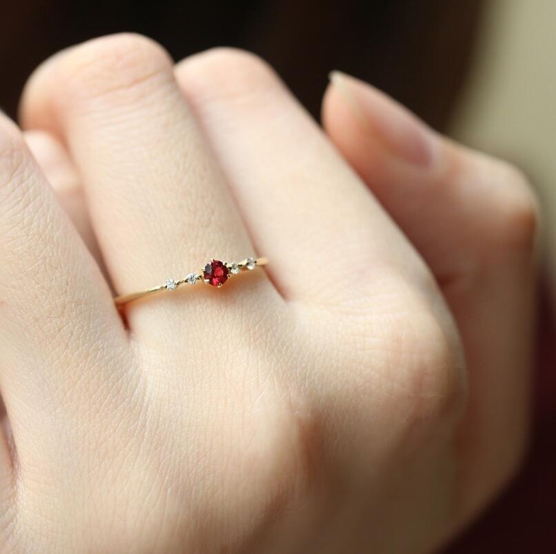 Женщины Изысканный Рубин Бриллиантовое Кольцо Позолоченные Крошечные Рубиновые Обручальные Кольца Подарки Размер 6-10