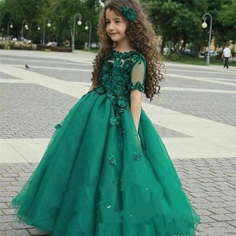 2019 Kızlar Pageant elbise Prenses Tül Hunter Yeşil Dantel 3D Çiçek Aplikler Kısa Kollu Çocuklar Çiçek Kız Elbise Ucuz Doğum Günü törenlerinde