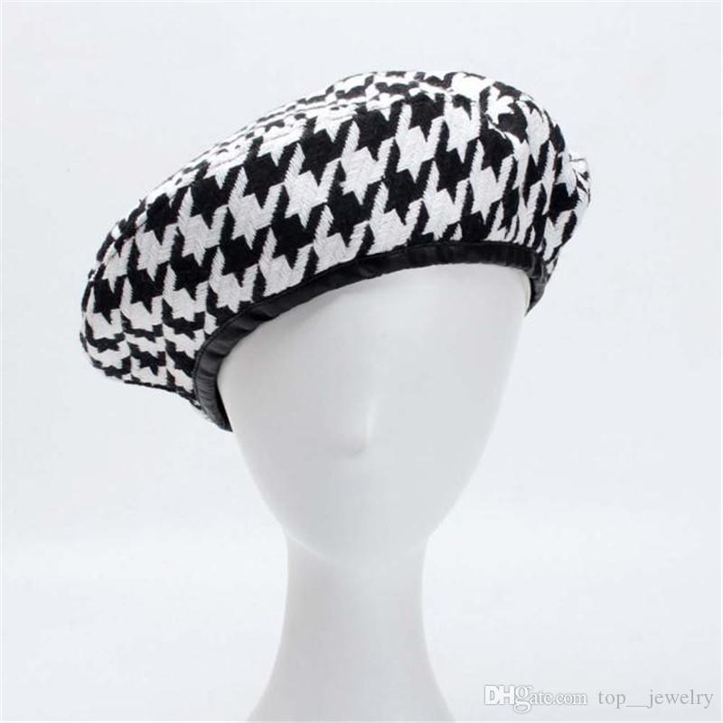 Классные YY Осень Береты Cap Зимние шапки для женщин Французский Хаундстут Берет Flat Cap плед Элегантный британский стиль Lady Painter Bonne