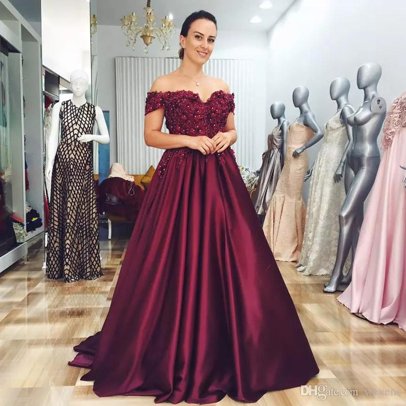 Plus Size Dark Red A-line Mother's Dresses Off the Shoulder 3D Flower Bead Prom Gown Satin Ruched Sweep Train Wedding Party Dress