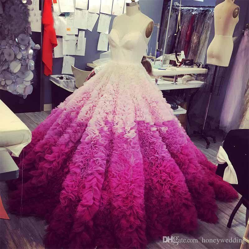 Wunderschöne Mix Farbe Rüschen Brautkleider Puffy Tiered Custom Made Braut Ballkleid Schulterfrei Backless Dubai Robe De Mariee