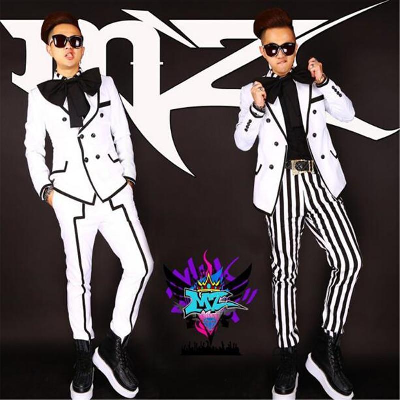 2020 Hombres barra personalizada discoteca cantante masculino DJ GD traje blanco juego de la raya negro Conjunto regala gran lazo Set = (capa + camiseta + pantalones)