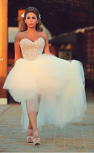 Роскошные арабские свадебные платья 2015 Привет-Lo Кристаллы Sparkly Сияющий Милая оборками Тюль Свадебное платье Разрозненные Бисер Свадебные платья