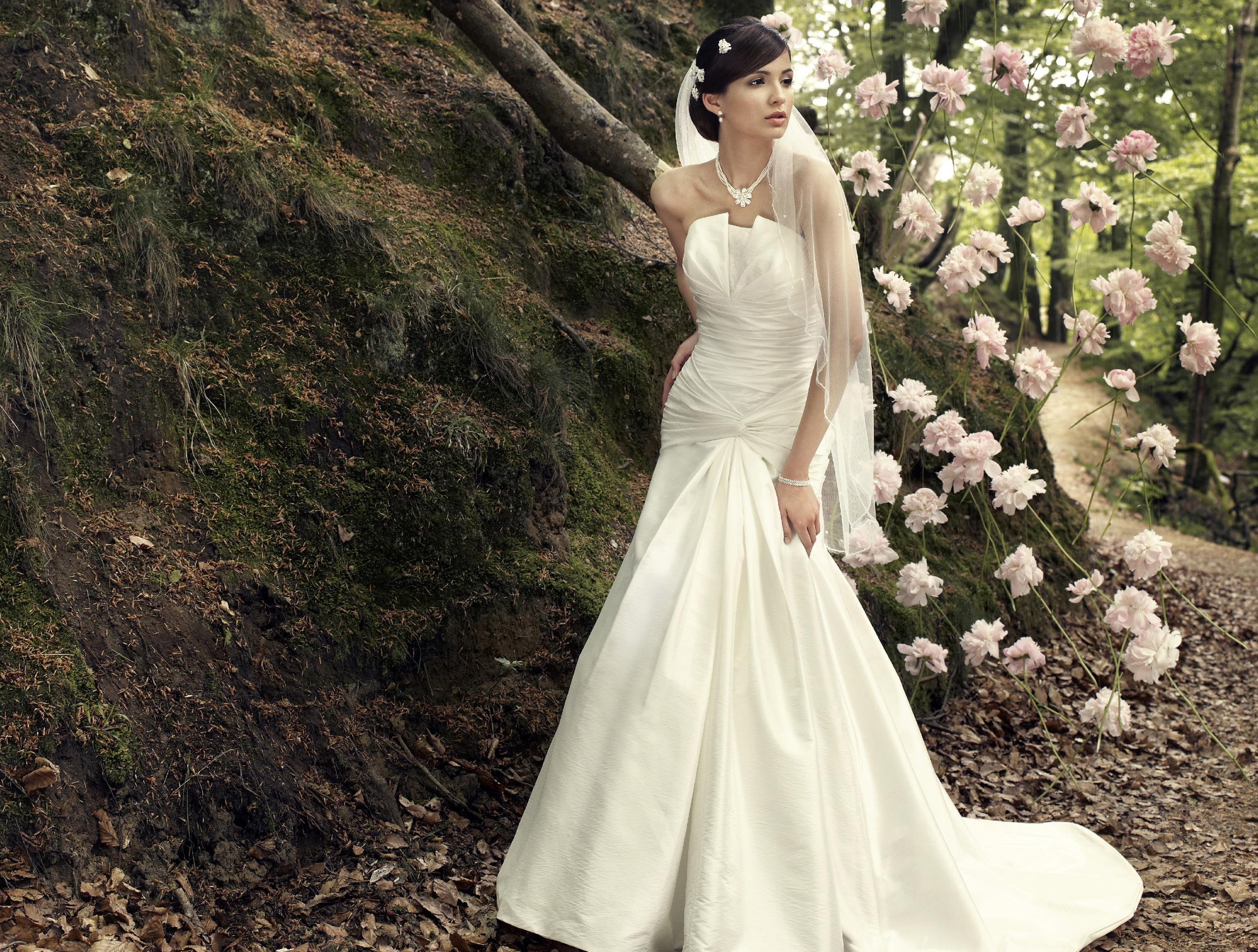 Strapless Lebanon Wedding Dress Mermaid Ruffle Ivory Cash On