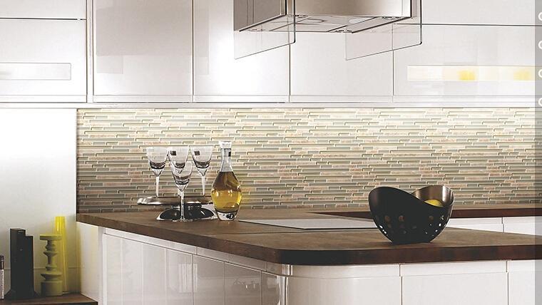Acquista piastrelle mosaico in pietra di vetro liner backsplash