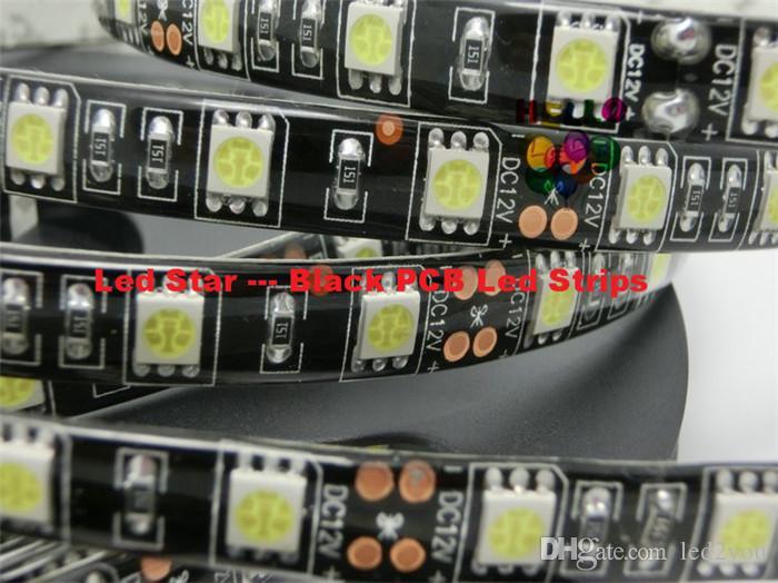 Le panneau noir 5050 de carte PCB a mené la lumière de bande de RVB 5M / bobine IP65 / IP20 a mené la bande imperméable 300 LED + 44 clefs IR à distance de l'alimentation + 6A