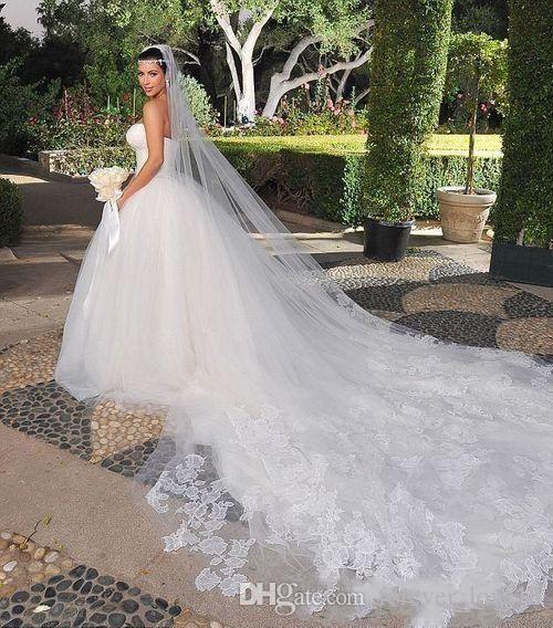 Veli da sposa Kim Kardashian New Best Sale Charming White Ivory One Tiered Cathedral Sposa Velo da sposa Custom 3 Meters Lace