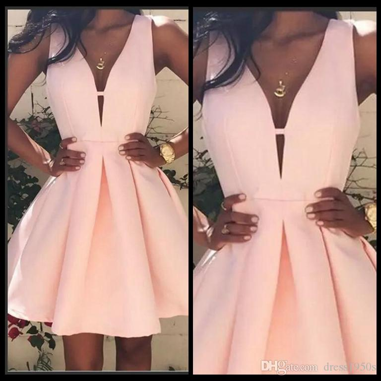 2018 Pink Short Günstige Homecoming Kleider V-Ausschnitt Backless Stain Cocktailkleider Mini Stain Prom Party Kleid Kleider