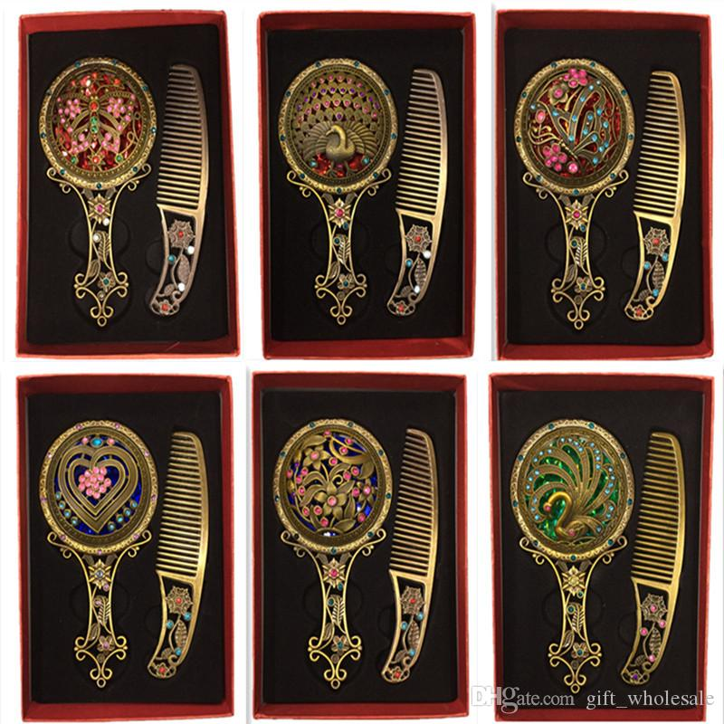 Moda Clássico Retro Vintage Cobre Espelho Compacto Espelhos Oco Espelho Pente Conjuntos de Presente em torno de 30 estilos mix