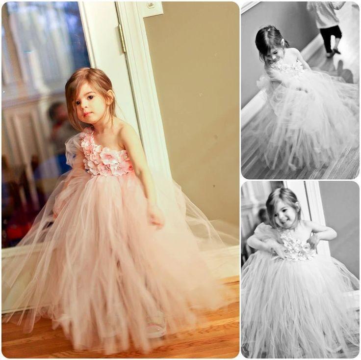 Vestidos perfectos para niña de flores de tutú Longitud del rubor Vestido de desfile de niña de flores para niñas pequeñas Vestido de comunión para niños