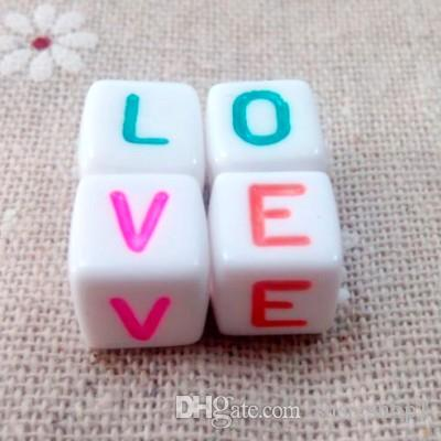 아기 DIY 공예 500 개 화이트 컬러 알파벳 혼합 된 편지 큐브 비즈 10 × 10 mm 좋은