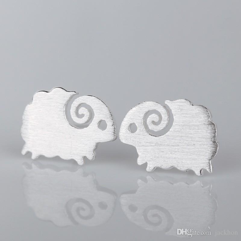 10 قطع- s046 لطيف ليتل الأغنام الأزرار أقراط صغيرة الضأن حلق الأقراط الماعز جميل الحيوان أقراط ل كوكبة هدايا عيد