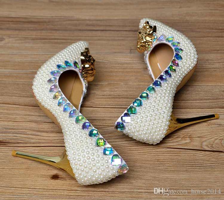 Moda altamente recomendados zapatos de boda de cristal de perlas de marfil de punta estrecha zapatos de novia magnífico banquete de fiesta vestido de fiesta zapatos
