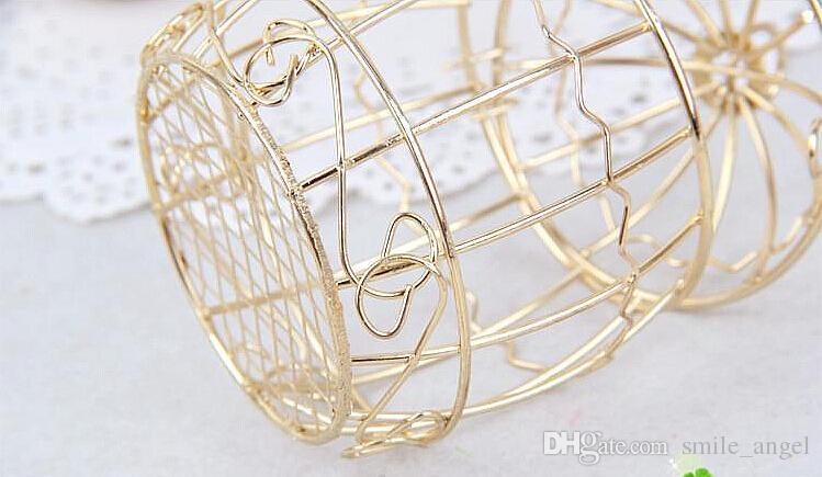 Hochzeitsbevorzugungskasten europäischen kreative Gold Matel Boxen romantische Schmiedeeisen Birdcage Hochzeit Pralinenschachtel Blechdose Großhandel Hochzeitsbevorzugungen