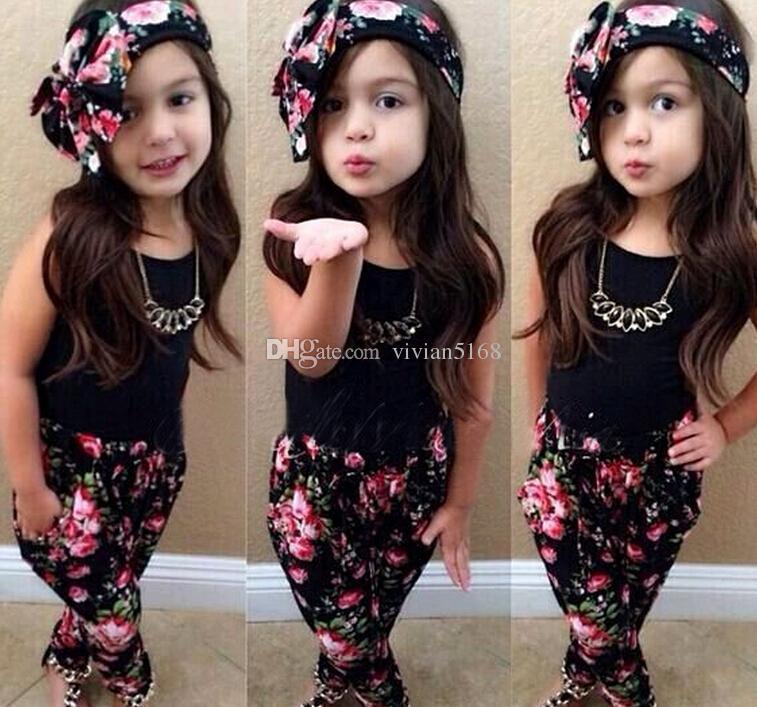 Perakende Moda Kız rahat elbise çocuk giyim kolsuz elbise set =. kısa kollu gömlek+pantolon çiçek saç bandı +çiçek