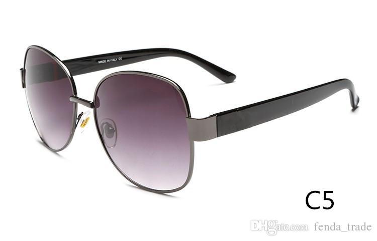 Novos óculos de sol moda óculos homens e mulheres casais Europa e nos Estados Unidos grande quadro óculos de sol 4242 cor 5 qualidade A +++ MOQ = 10