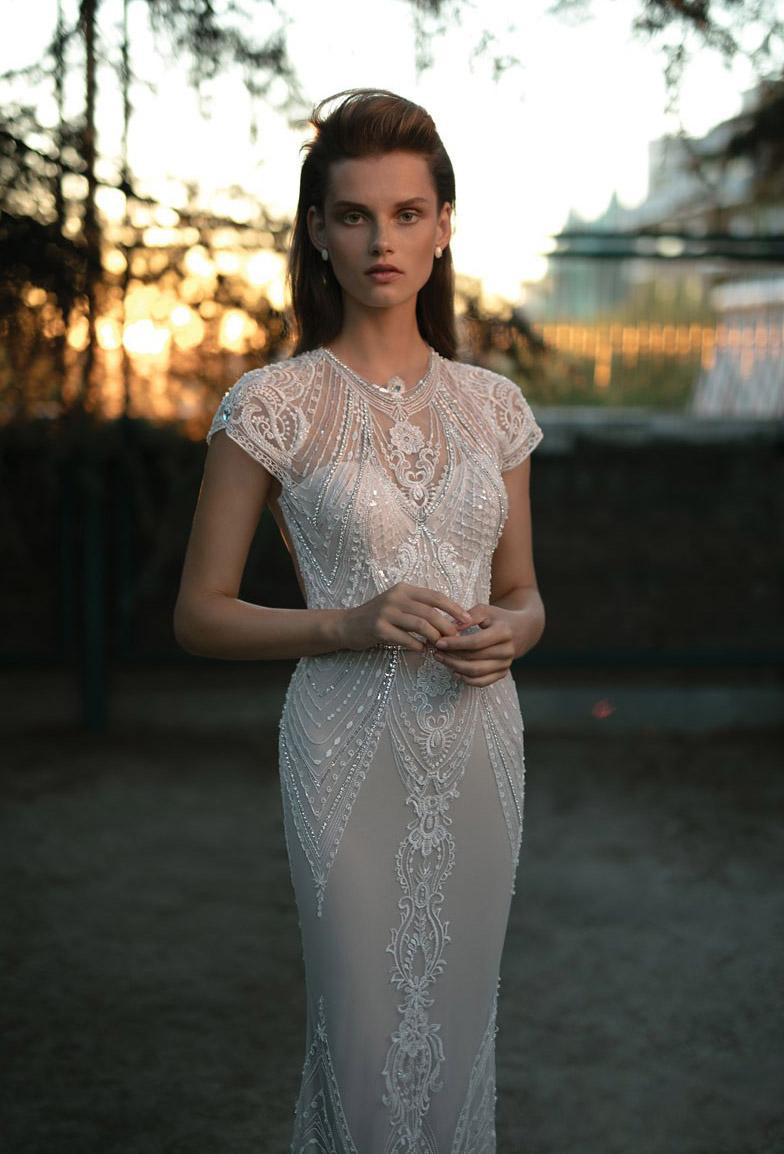 Custom Made Berta Wedding Dresses Appliqued Scoop Capped Sleeve Beaded Bridal Dress Champagne Sweep Train Mermaid Wedding Gowns