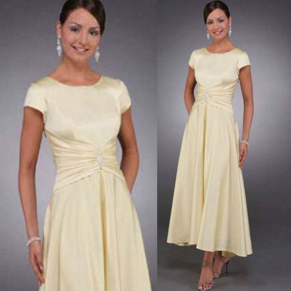 2020 Vestidos de invitados de boda amarilla ligeros Mangas cortas Mid Becerro Longitud de té Ruchada Dama Fiesta Madre de los vestidos de novio