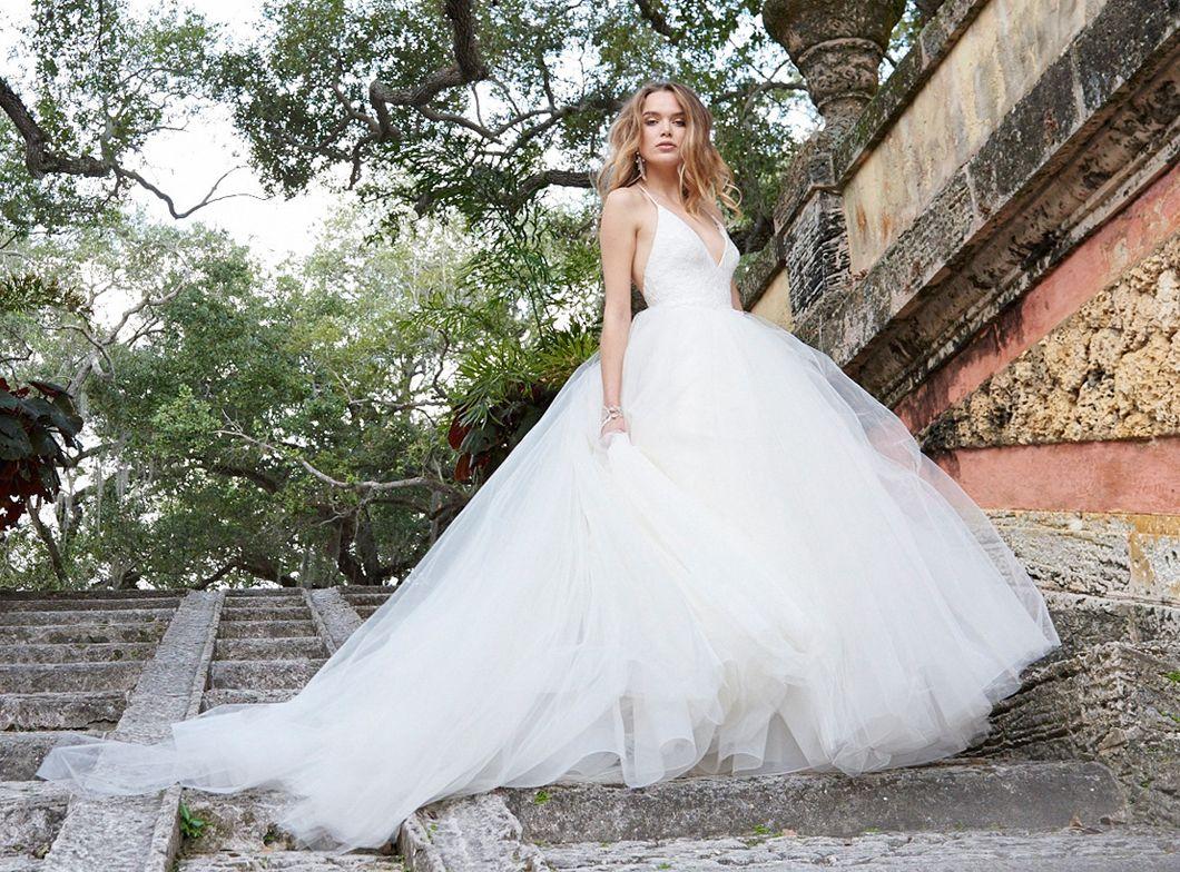 Formal Winter Zuhair Murad Vintage Sleeveless Maxi Backless Wedding Dresses Online Sexy Cheap Lace Beach Applique Knot Wedding Dress