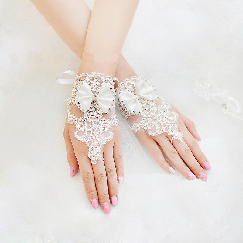 جديد 2015 رخيصة طويلة قفازات الزفاف الرباط يزين الخرز أصابع طول المعصم مع القوس قفازات الزفاف اكسسوارات الزفاف