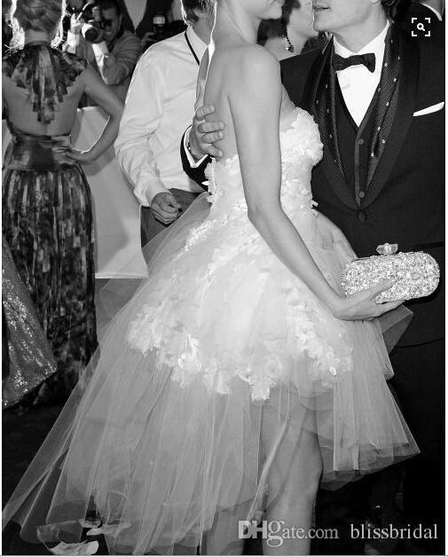 2016 Mirada Kerr знаменитости вечерние платья без бретелек тюль сексуальный Белый короткие платья выпускного вечера симпатичные младший партии платья бальное платье
