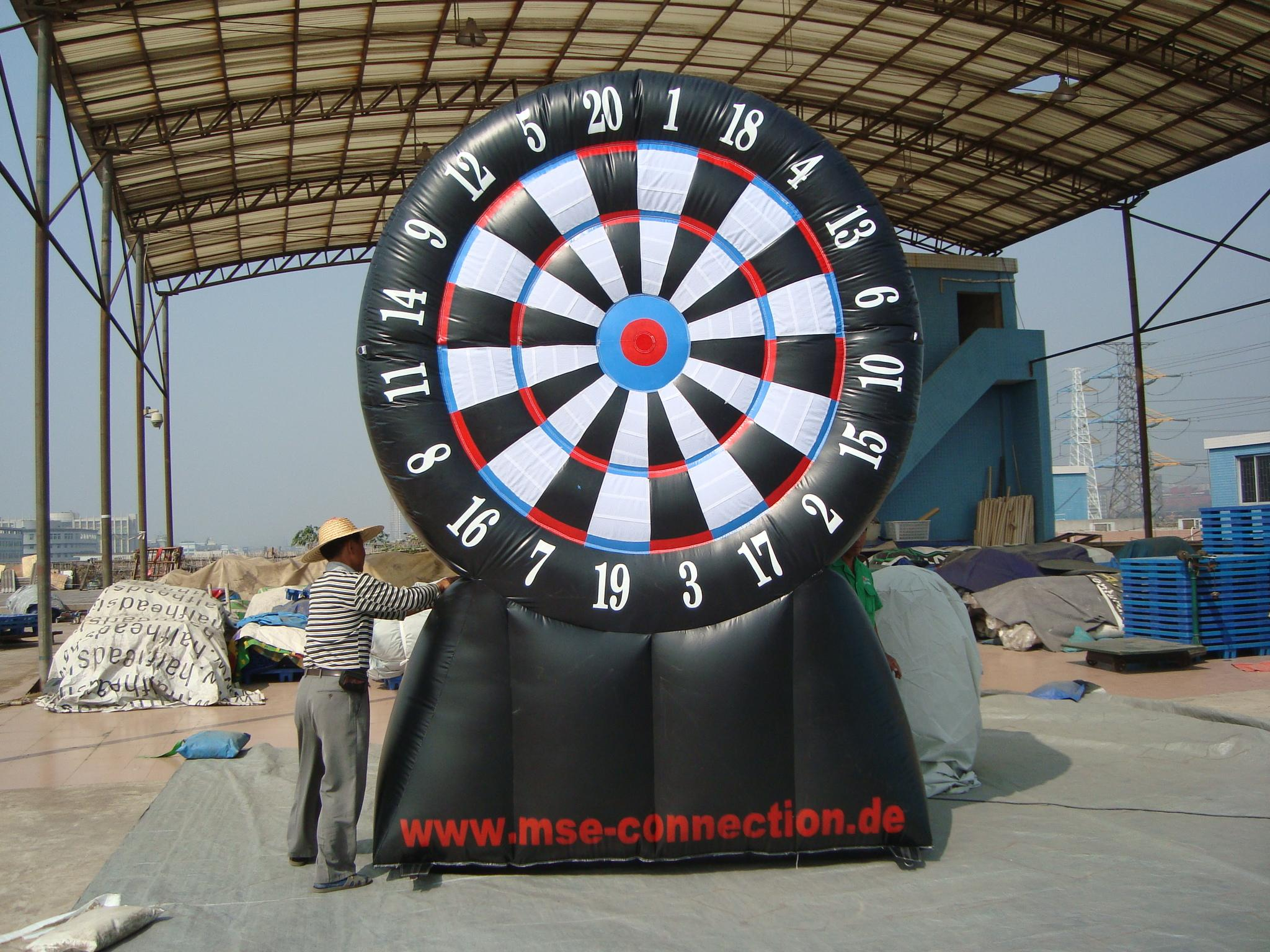 2019 Hot Sale Outdoor Inflatable Giant Dart Board Golf Chipping