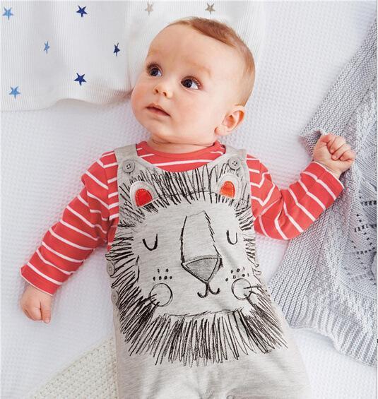 2015 yeni varış% 10 indirim! Sıcak satış çocuk giyim 5 adet çizgili t-shirt + 5 adet aslan tulum çocuklar kız erkek çocuk marka giyim 10 adet / zw