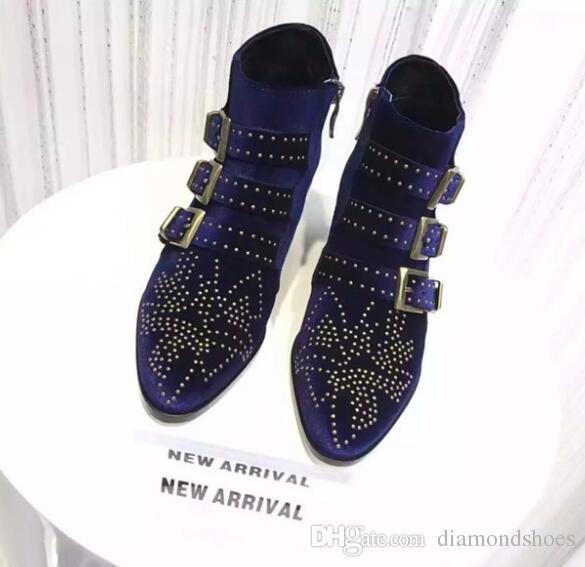 Moda Celebridade Susanna Ankle Boots Mulheres Fivelas Rebites Cravejado Sapatos Mulher Vintage Salto Baixo Botas De Equitação De Veludo Zip