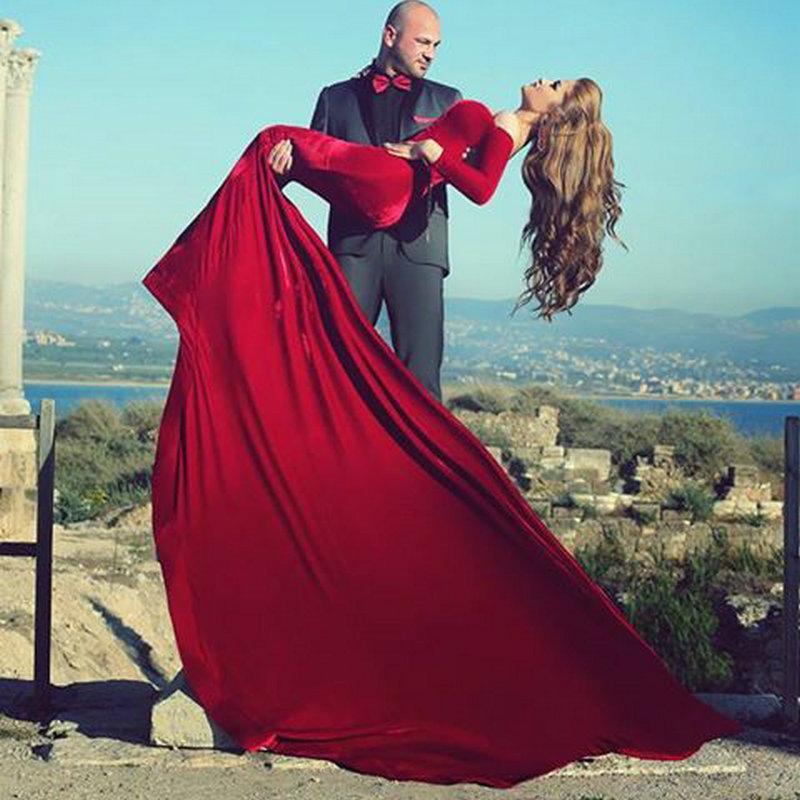 Dress Design Red Velvet Full Lenghth Gown Sweethear Neckline