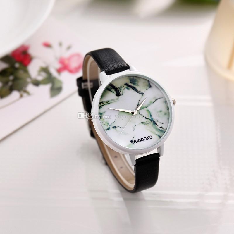 Armband- & Taschenuhren Ladies Leather Fashion Watch With Flower Face Uhren & Schmuck White