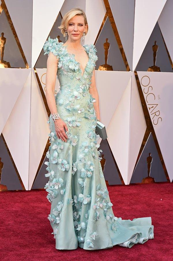 Кейт Бланшетт Оскар Платья знаменитостей Высококачественные цветы ручной работы, украшенные красными ковровыми платьями Сексуальное вечернее платье с глубоким V-образным вырезом