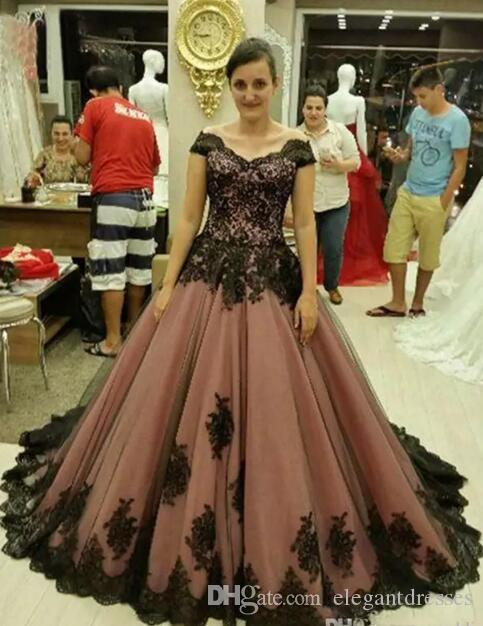 2018 Special Cheap Plus Size short Sleeves Vintage Medieval Gothic Victorian Lace Party purple Wedding Dresses beidal gowns lace up