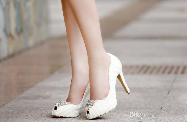 أحذية الزفاف الأنيقة الفاخرة حجر الراين مع اللؤلؤ التقليد سوبر عالية الكعب فستان الزفاف أحذية امرأة أحذية حفلة موسيقية