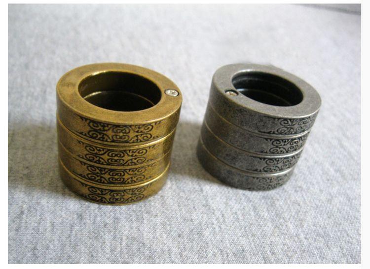 Wholesale Four connection Portable self-defense Women defend Wolf's door BanZhi self-defense ring